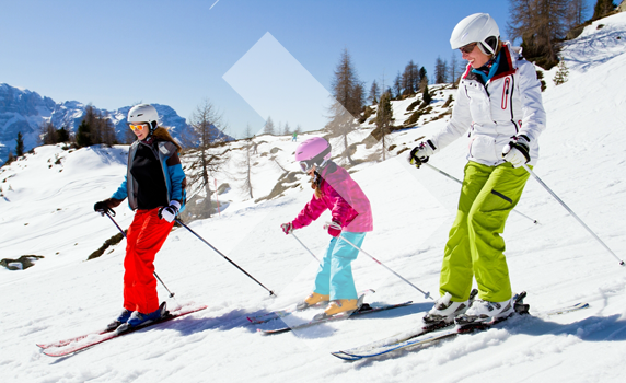 family-skiing-trip-tips